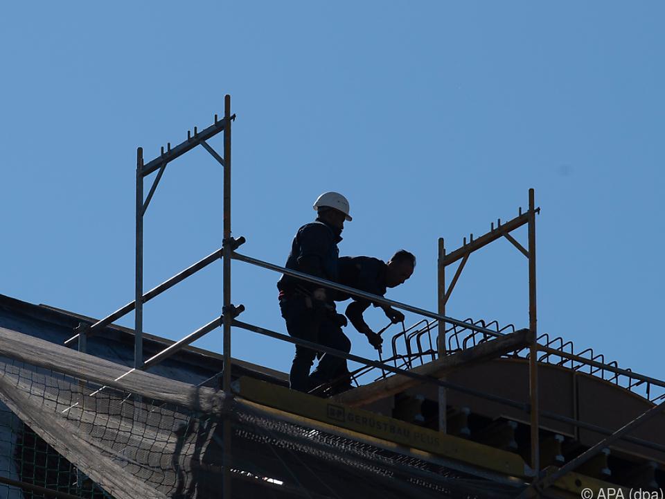 LafargeHolcim steigt ins Geschäft mit Dächern ein