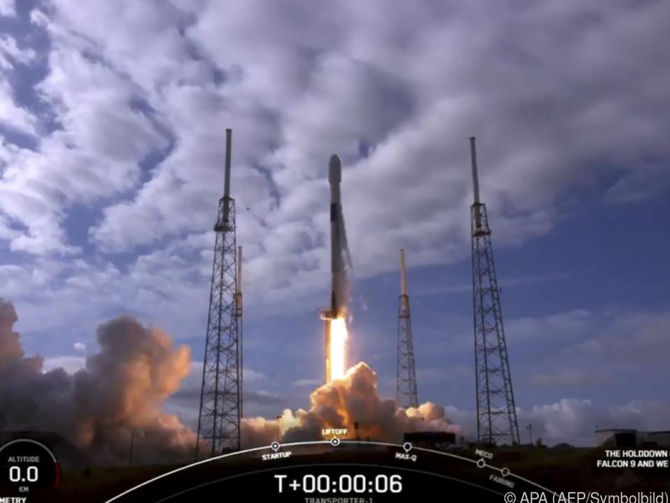 SpaceX plant tausende Satelliten im All