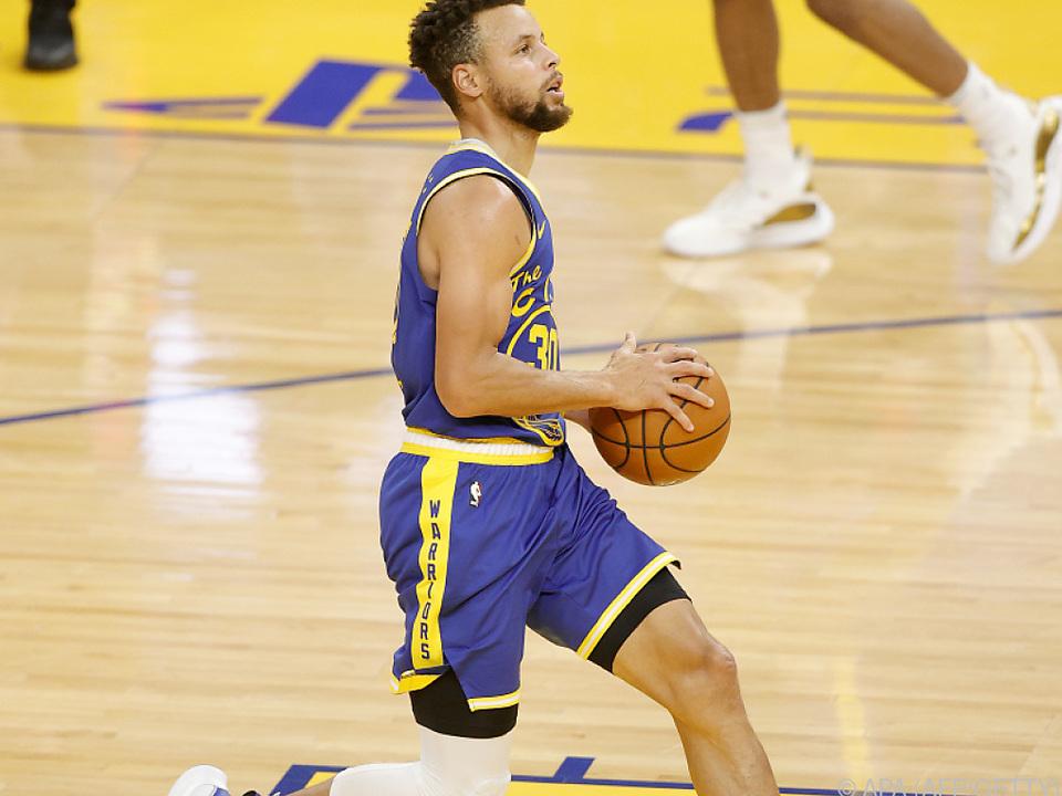 Stephen Curry erzielt gegen die San Antonio Spurs 26 Punkte