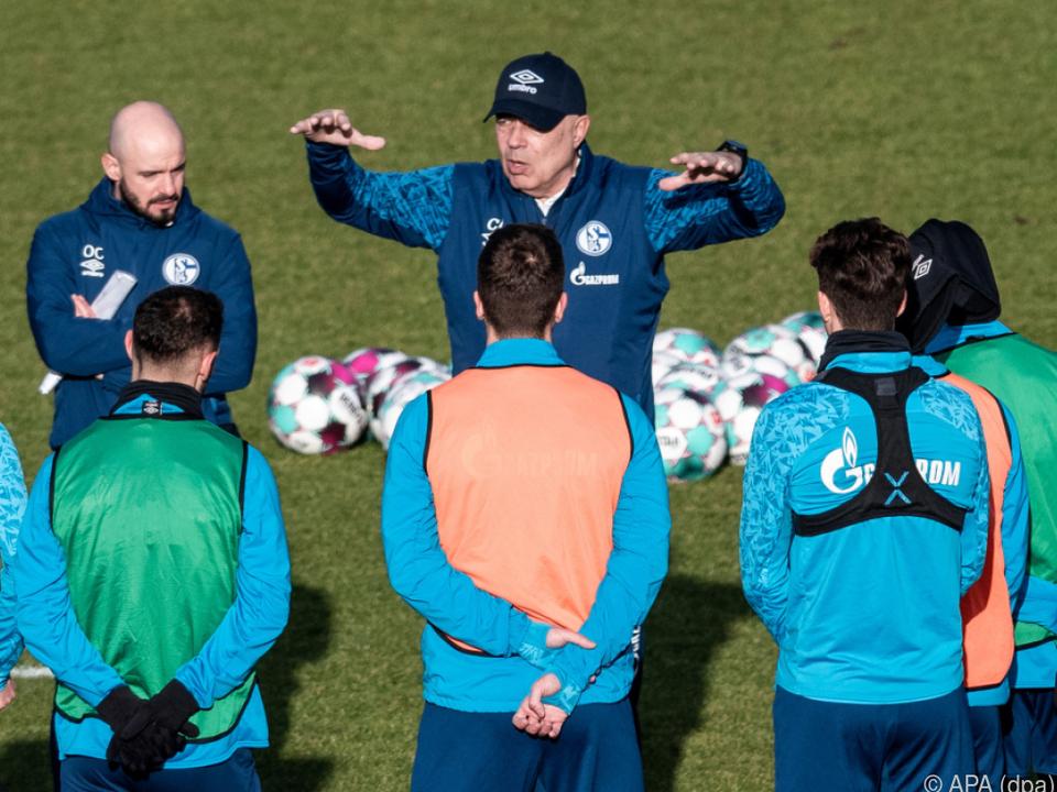 Schalke-Trainer Gross ist gefragt
