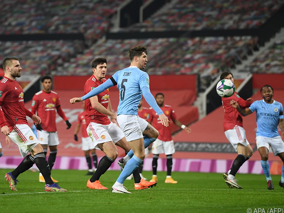 Stones trifft zum 1:0 für City gegen United