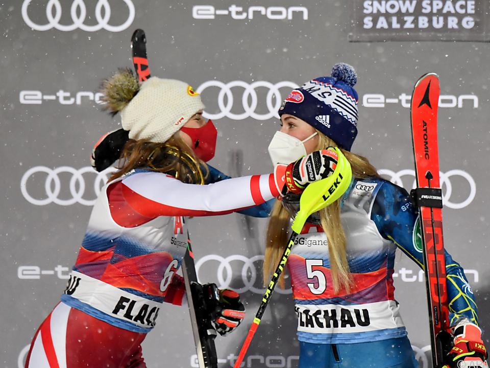 Siegerin Shiffrin und 2. Liensberger in Flachau
