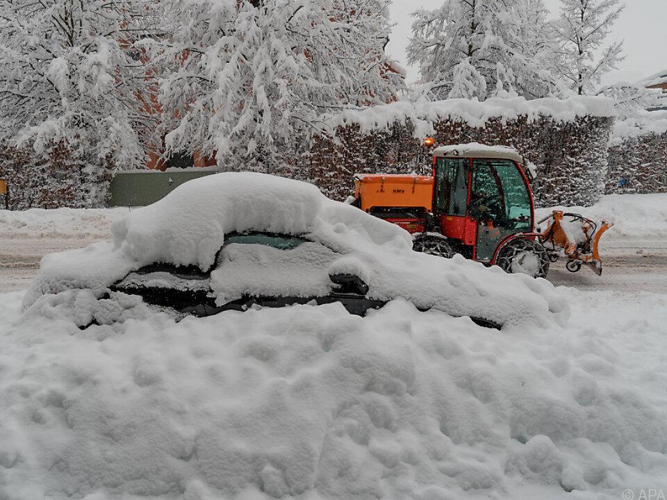 Ungewöhnlich große Neuschneemengen in Vorarlberg