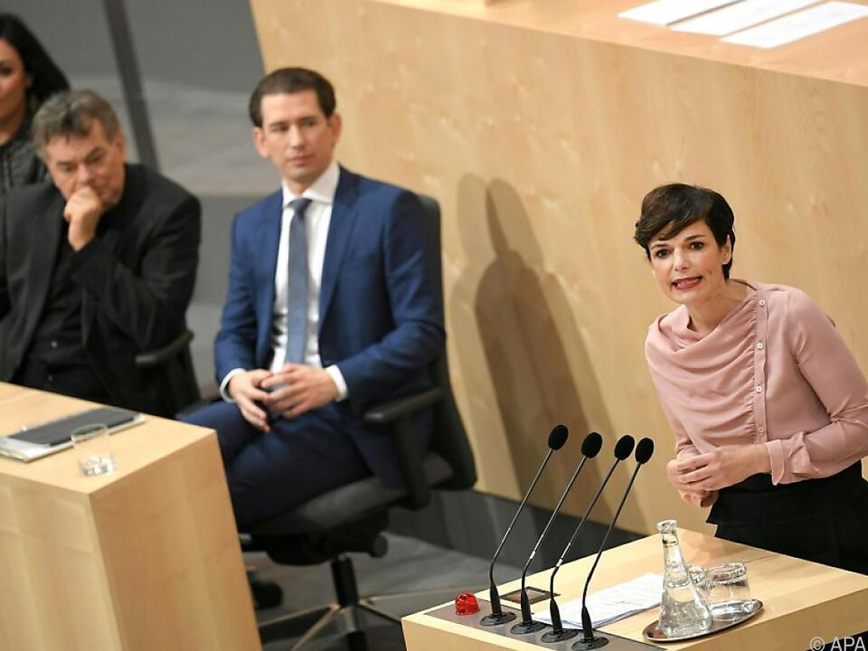 Auch einmal einig - Koalition und SPÖ lassen Reintesten