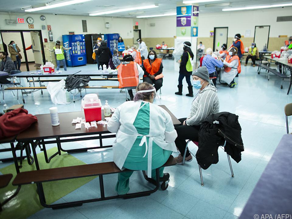Knapp 23 Mio. US-Amerikaner haben sich bisher mit dem Virus infiziert
