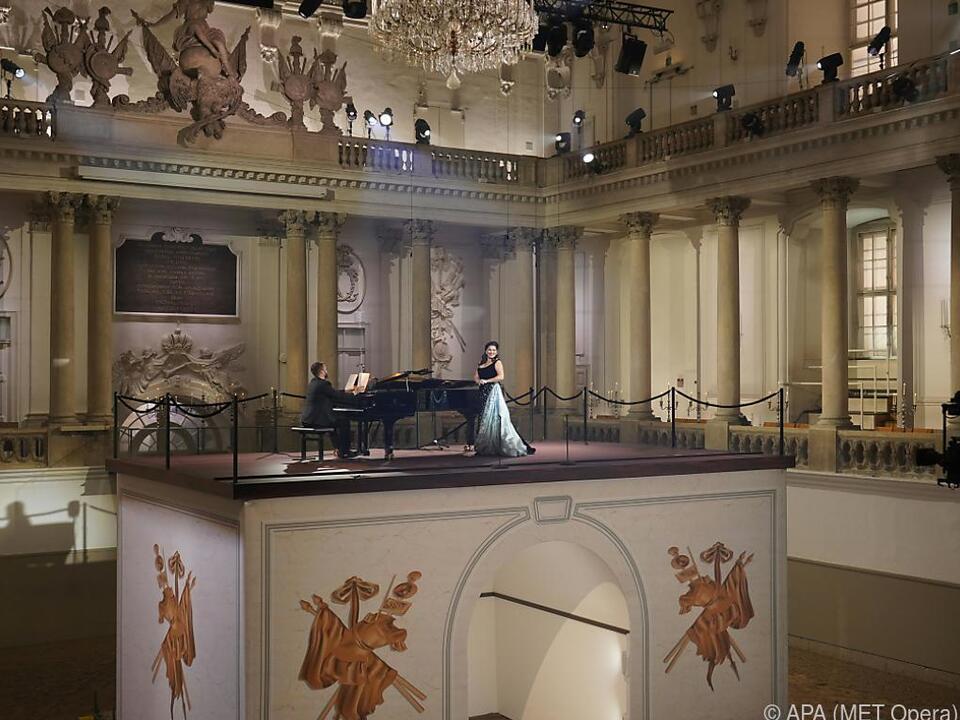 Anna Netrebko singt in der Spanischen Hofreitschule Wien