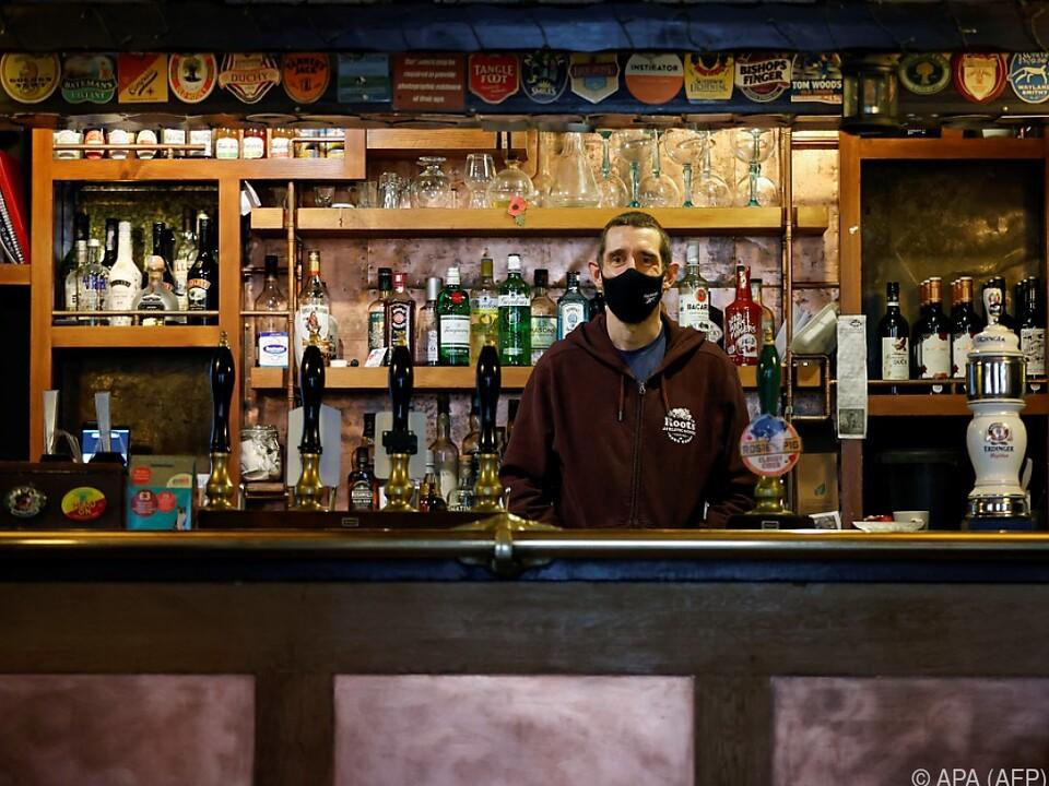 Britische Pubs in Nöten