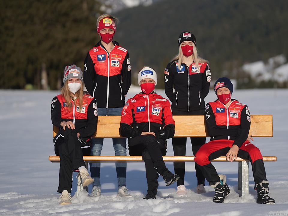 Das ÖSV-Normalschanzen-Team mit \