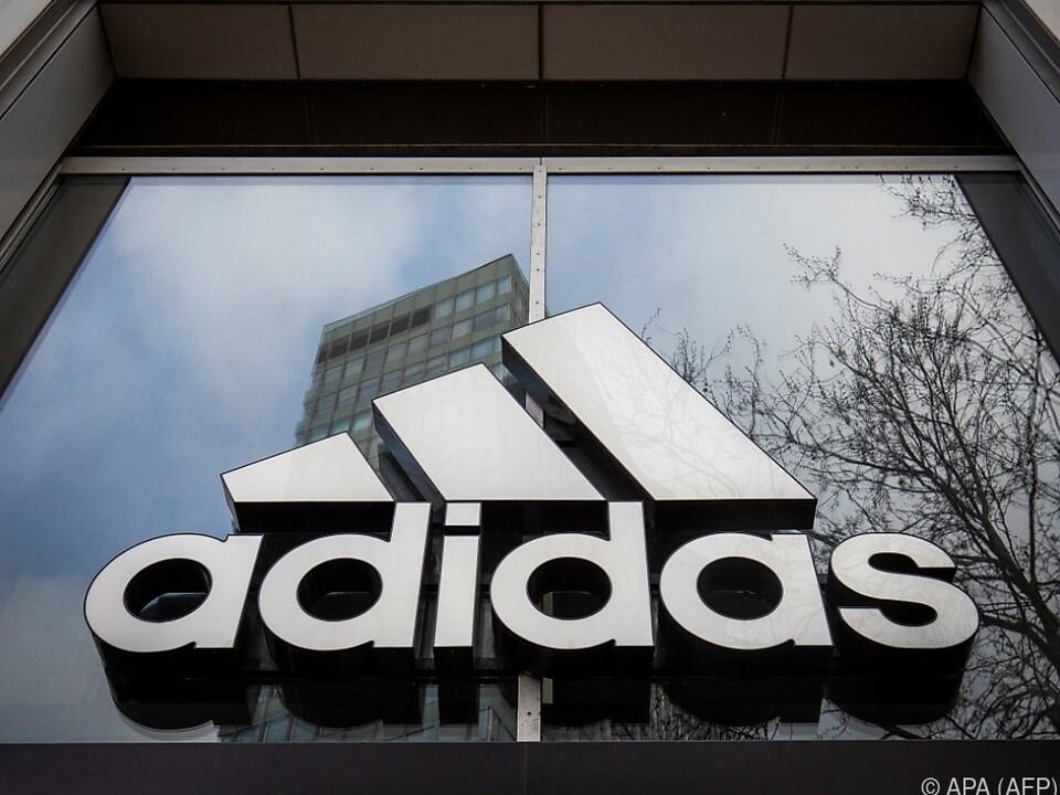 Der deutsche Sportartikelhersteller will Reebok verkaufen