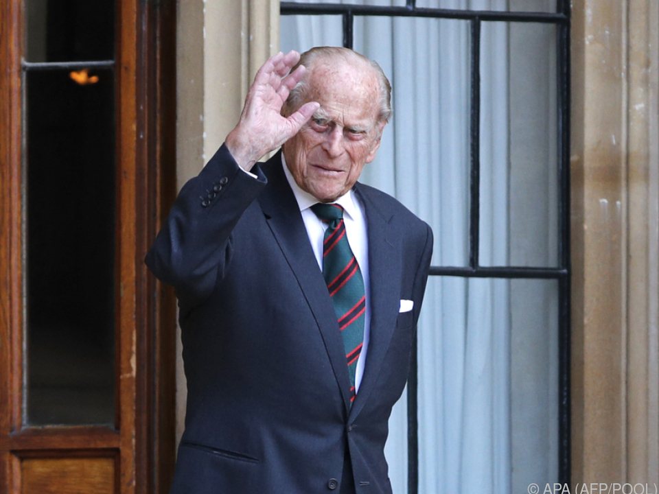 Der Ehemann der Queen bleibt unter ärztlicher Beobachtung