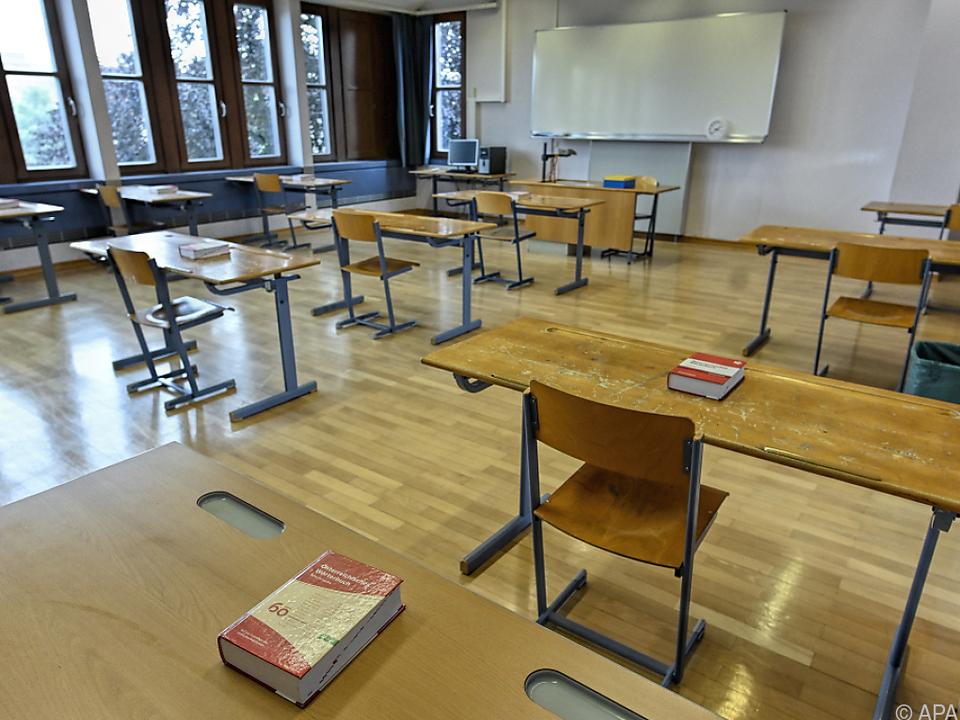 Der Ex-Direktor bleibt weiter als Lehrer im Schuldienst