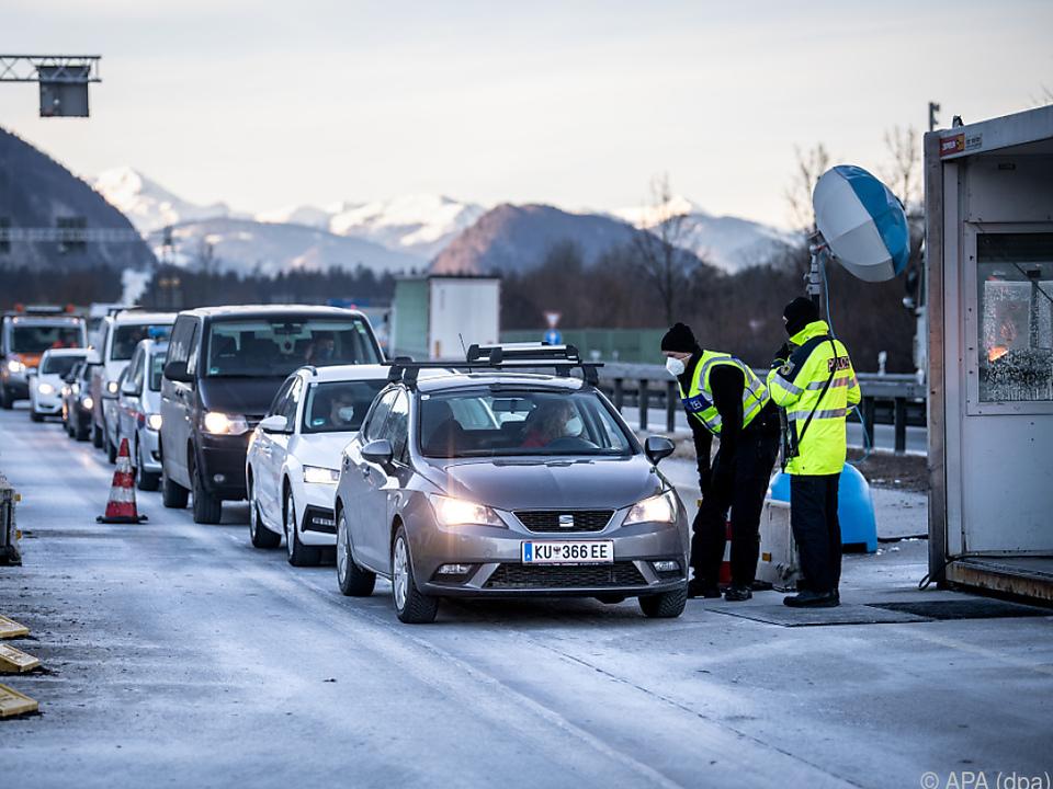 Deutsche Grenzkontrollen wurden um 14 Tage verlängert