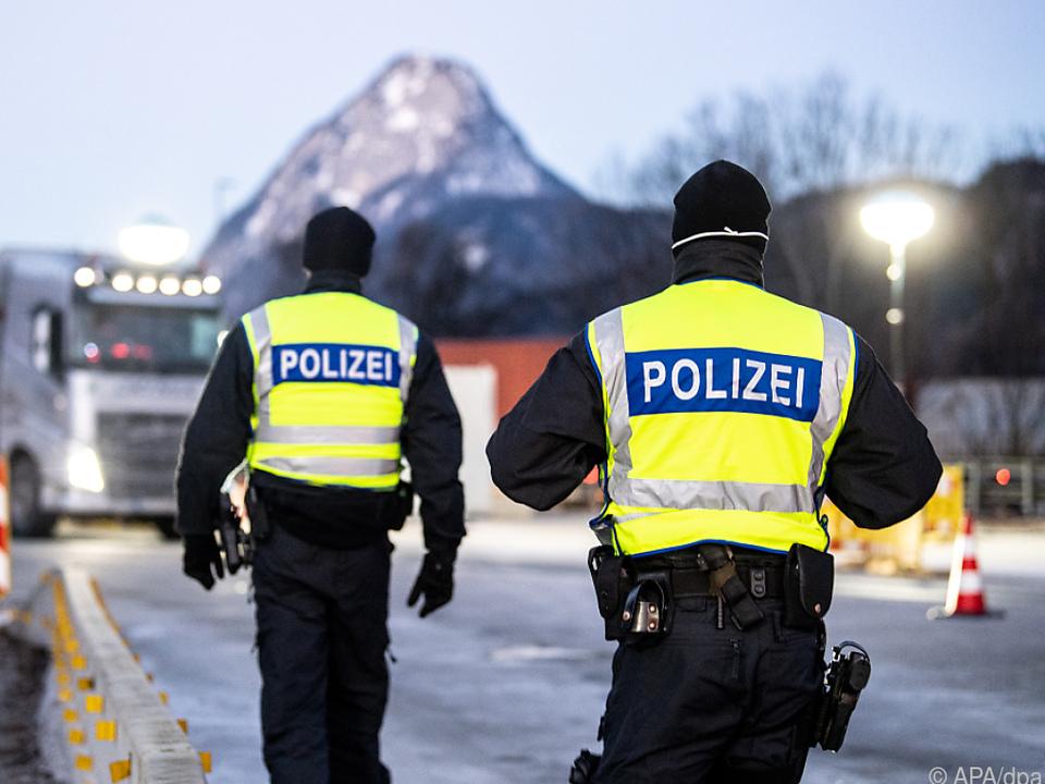 Deutschland kontrolliert seit Sonntag an den Grenzen zu Tirol