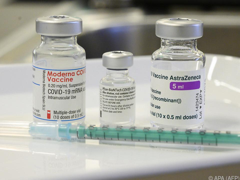 Die Corona-Impfstoffe von Moderna, Pfizer und Astrazeneca