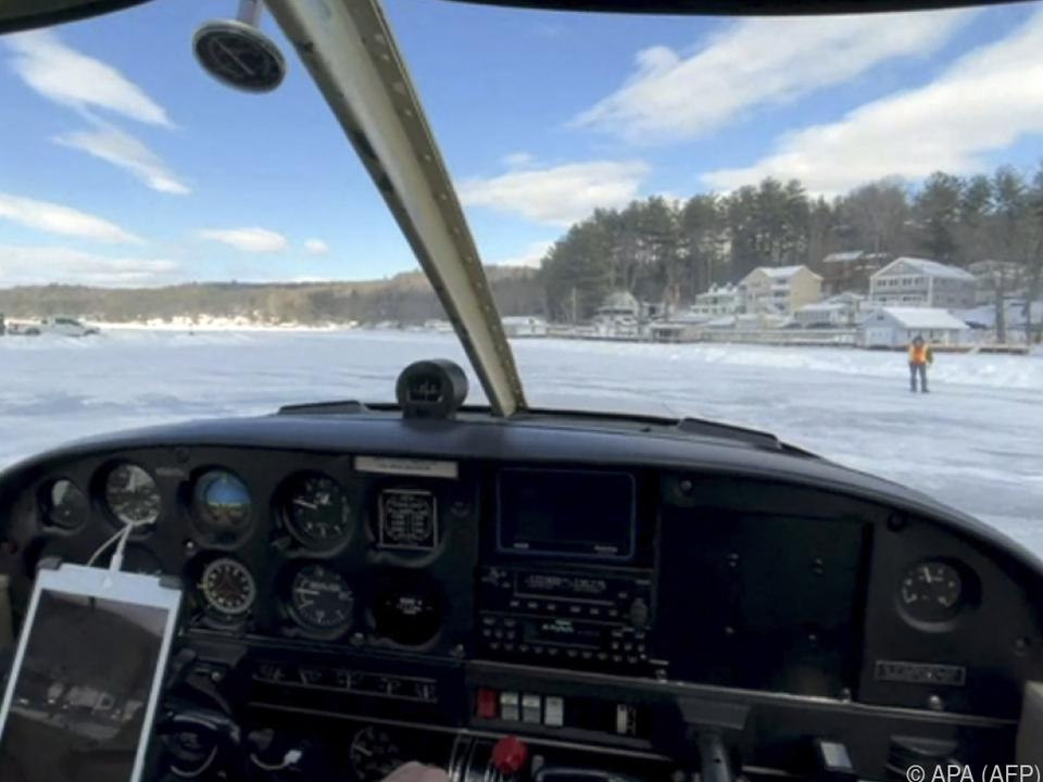 Die Landebahn ist nur etwas für sehr Mutige: Mitten auf einem See