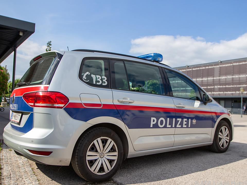 Die Polizei ermittelt nach dem Tod eines 19-Jährigen in Graz
