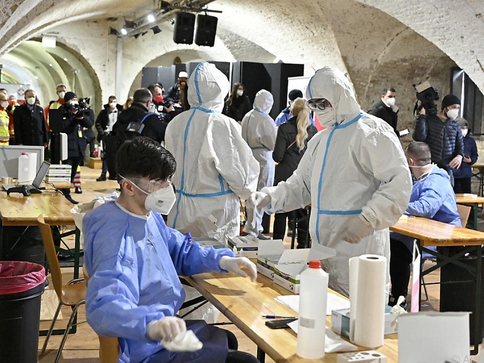 Die Zahl der Infizierten in Österreich steigt weiter