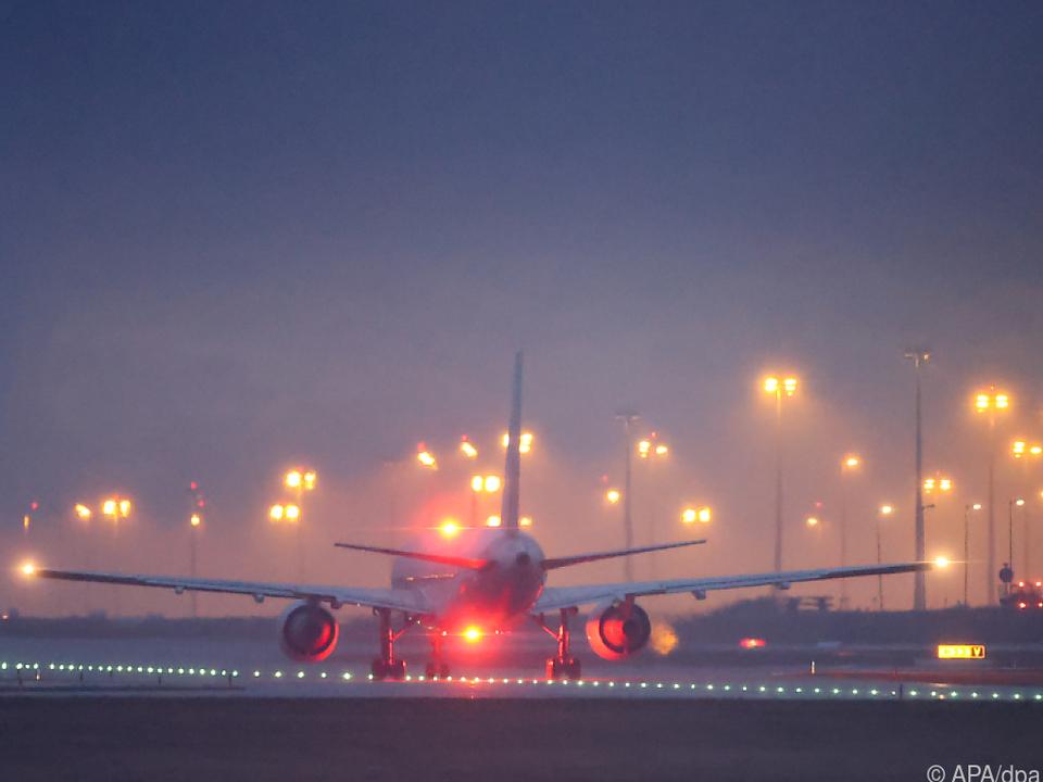 Dunkle Wolken über der Luftfahrtbranche