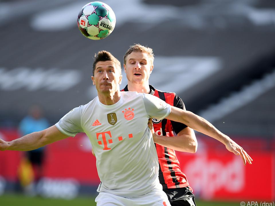 Hinteregger hatte Lewandowski meist gut im Griff