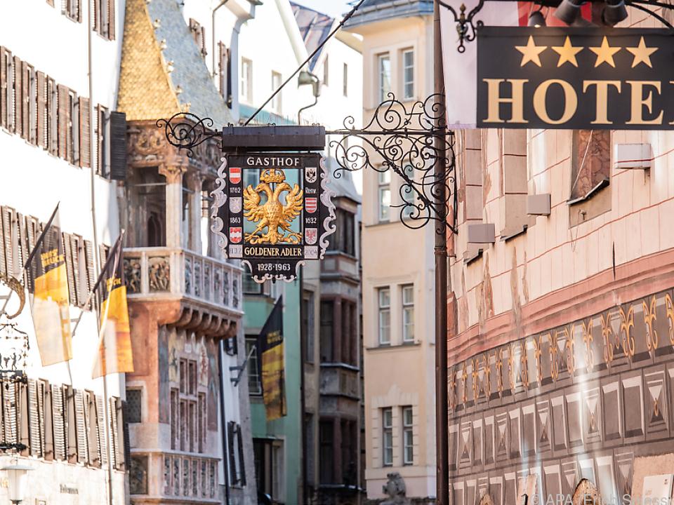 Im Lockdown dürfen nur Geschäftsreisende in Hotels übernachten innsbruck sym goldenes Dachl tirol
