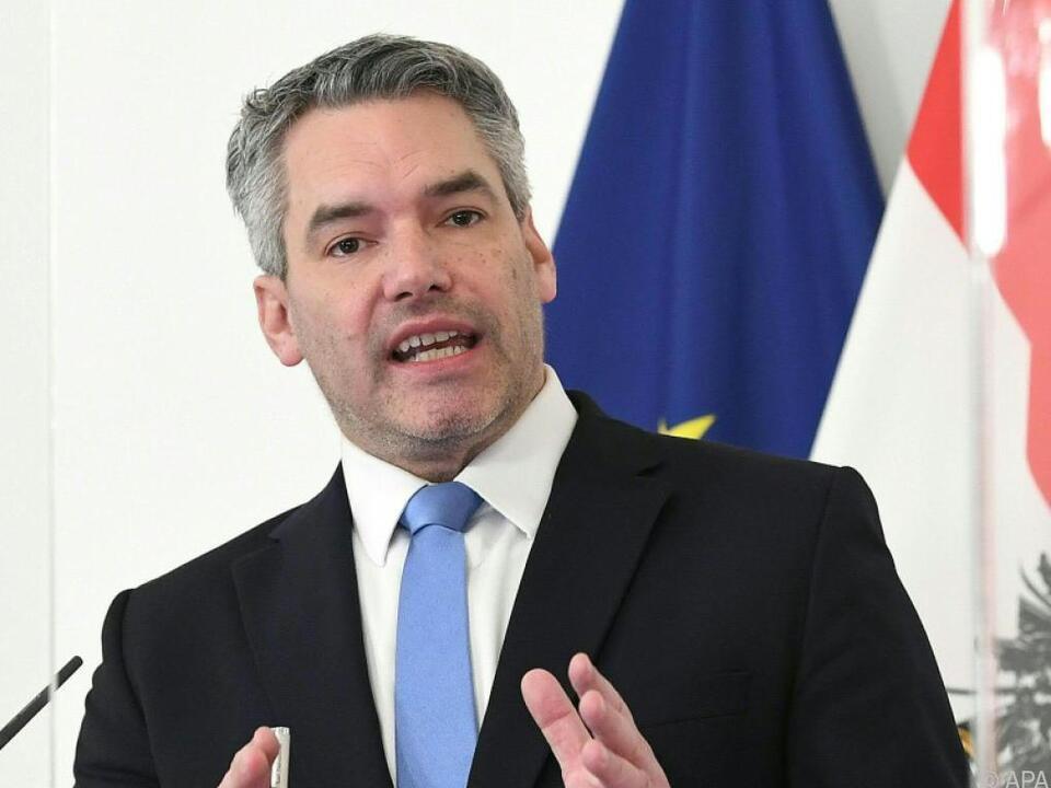 Innenminister Nehammer kassiert in Zukunft mehr für Covid-Verstöße
