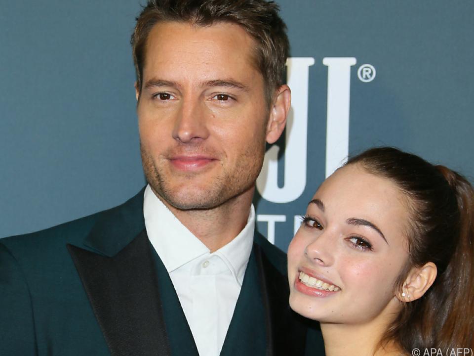 Justin Hartley steht mit seiner Tochter Todesängste durch