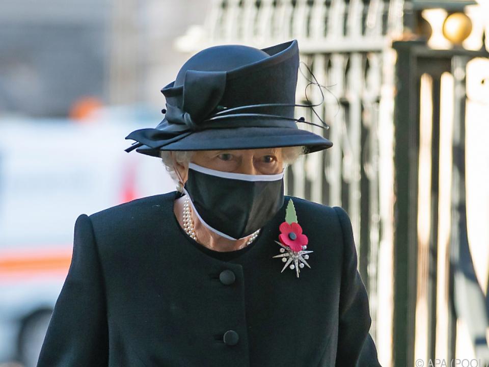 Königin Elizabeth und ihr Mann bleiben weiter abgeschottet