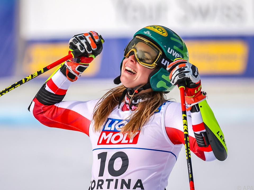Liensberger jubelt über Riesentorlauf-Bronze