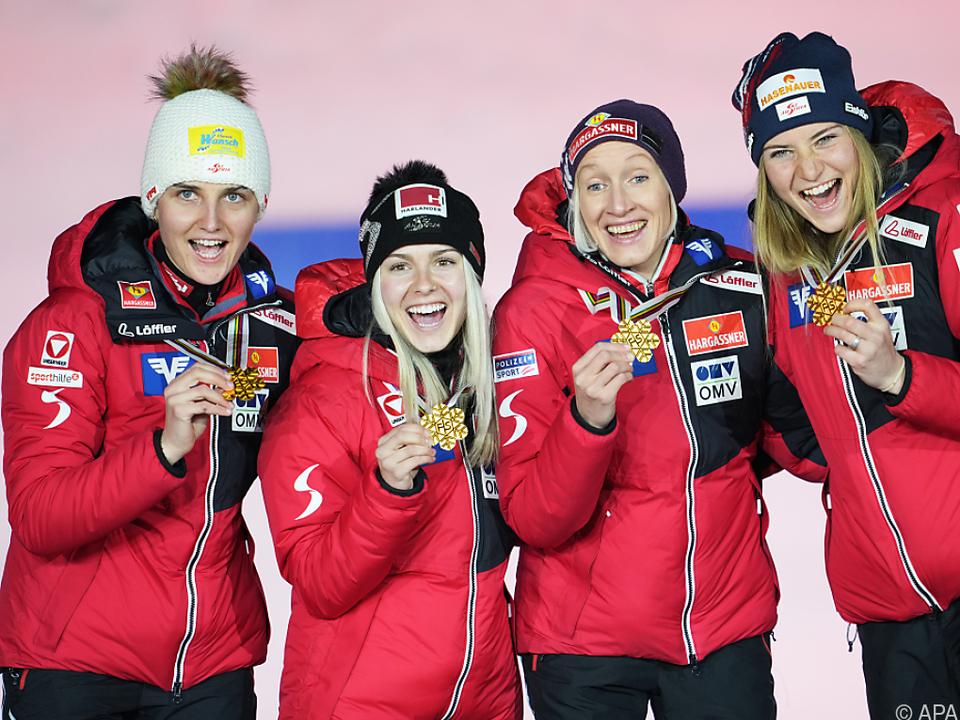 ÖSV-Skispringerinnen erhielten ihre Goldene