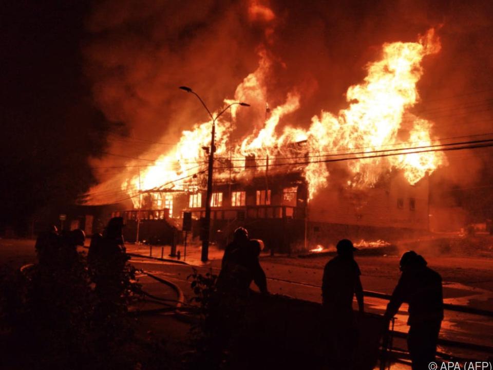Rathaus der Stadt Panguipulli in Brand gesteckt