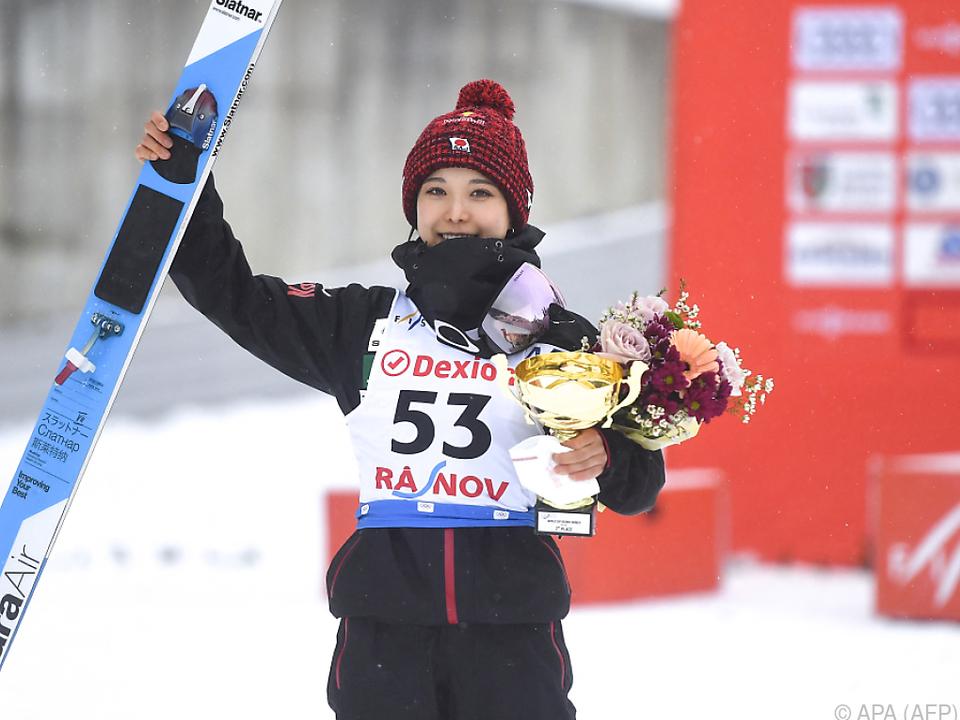 Sara Takanashi feierte in Rasnov ihren 60. Weltcupsieg