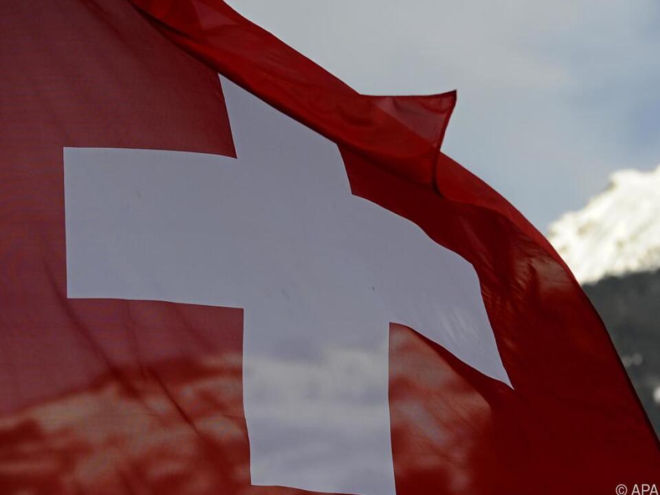 Schweiz weitet Quarantäne bei der Einreise aus