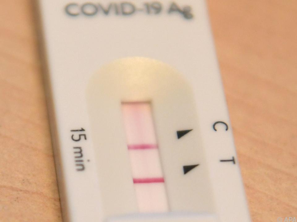 Seit Beginn der Pandemie gab es 427.562 positive Corona-Tests