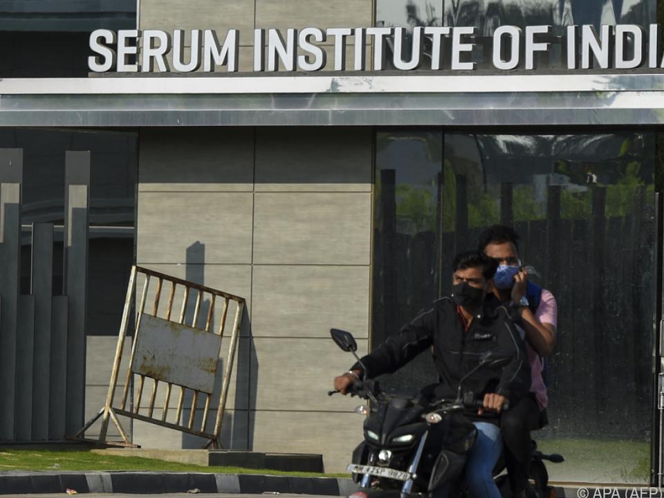 Serum Institute in Indien bittet um Geduld