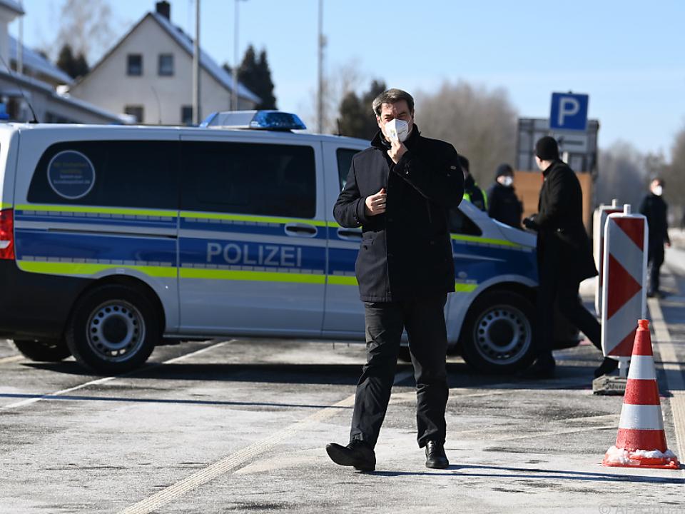 Söder macht sich ein Bild von der Lage an der Grenze zu Tschechien