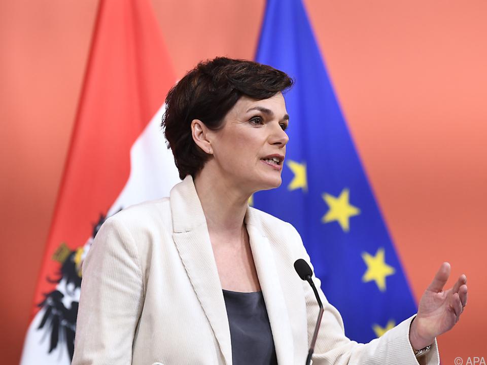SPÖ-Chefin Rendi-Wagner will die Produktion ankurbeln