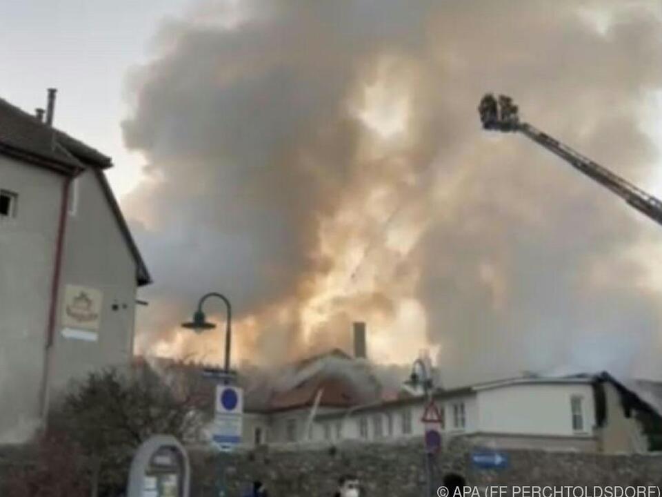 Stundenlanger Löscheinsatz der Feuerwehr