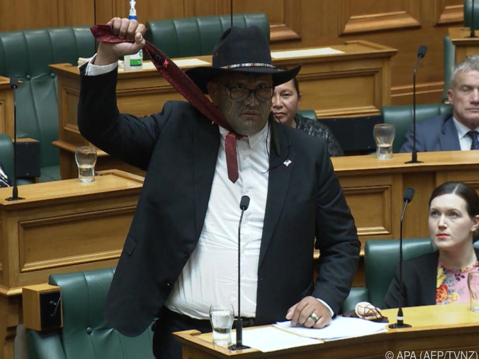Waititi bezeichnet Krawatte als \