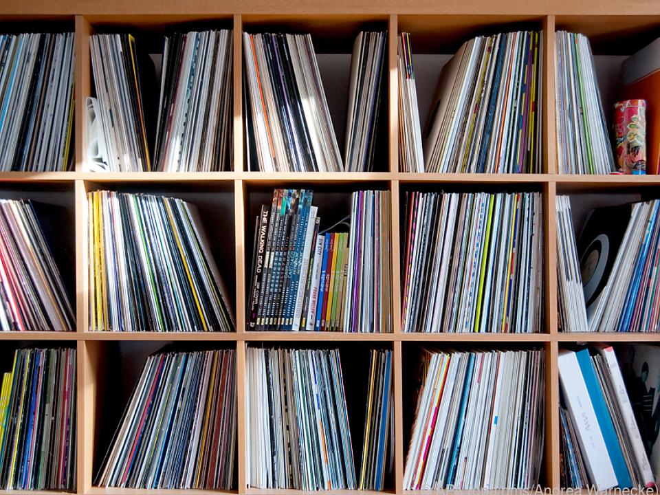 Schallplatten sollten grundsätzlich senkrecht aufbewahrt werden