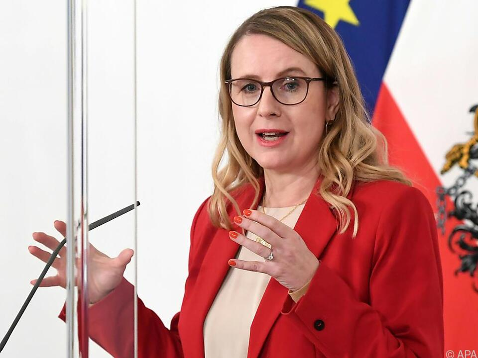 Wirtschaftsministerin Margarete Schramböck (ÖVP)