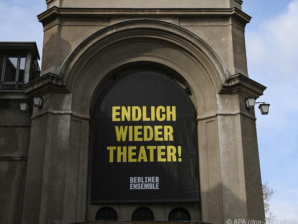 Am Berliner Ensemble startet ein Öffnungs-Testlauf