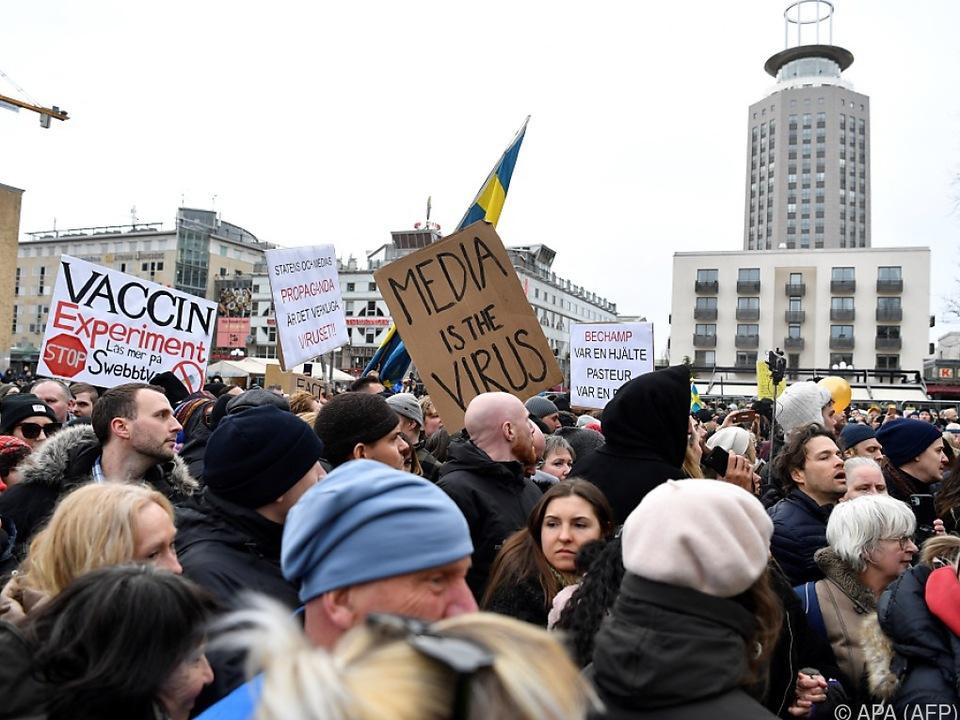 Auch in Schweden gingen Corona-Skeptiker auf die Straße