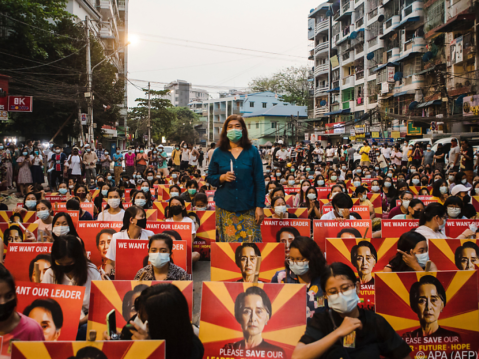 Berichte über hohe Totenzahlen bei Protesten
