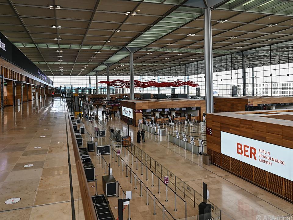 Blick in Terminal 1 vom Hauptstadtflughafen Berlin Brandenburg