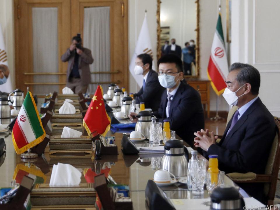 Chinas Außenminister zu Gast im Iran