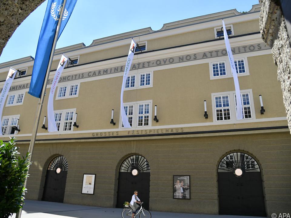 Die Fassade des Großen Festspielhauses in Salzburg