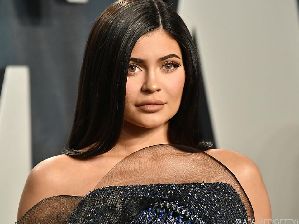 Die milliardenschwere Jenner wollte Spenden für ihren Ex-Visagisten