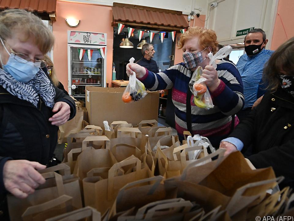 Essensausgaben wie hier in Großbritannien haben Hochkonjunktur
