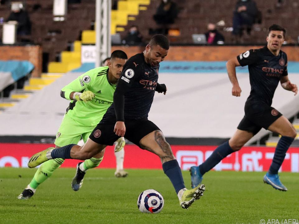 Gabriel Jesus erzielt das 2:0 für Manchester City