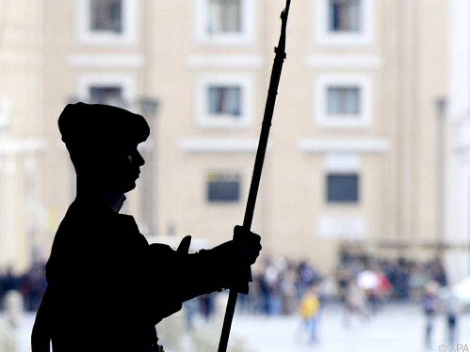 schweizer garde vatikan rom Geplante Entführung eines neuen Papstes soll für Spannung sorgen